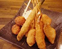 大阪名物串カツとバルの融合